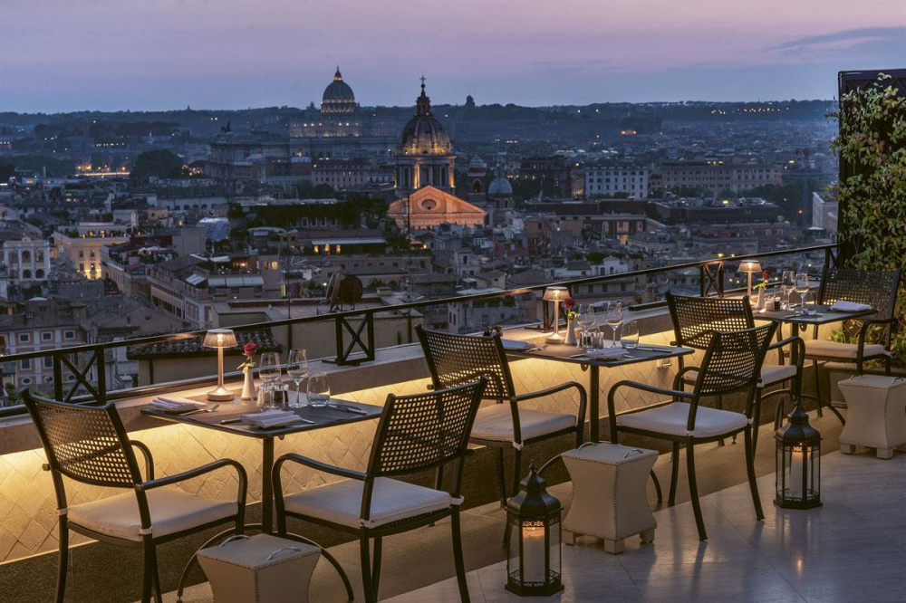Stunning terrace with view over main highlights of Rome, great for arelaxing drink on your wedding date