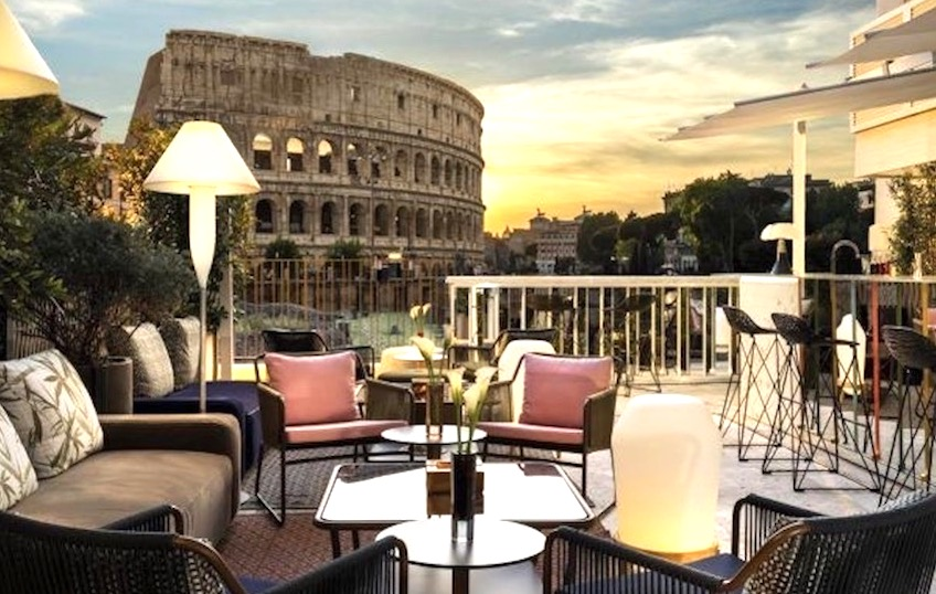 An iconic hotel to celebrate memorable weddings in Rome, the colosseum view is breathtaking