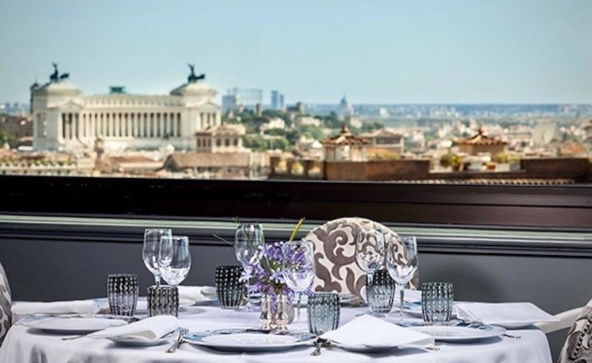 An elegant terrace for perfect wedding receptions with a stunning view over Venice square
