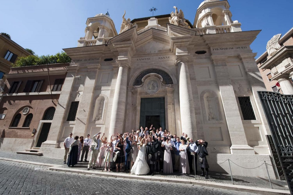 Wedding group photo in Sant'Anna in Vatican, Rome