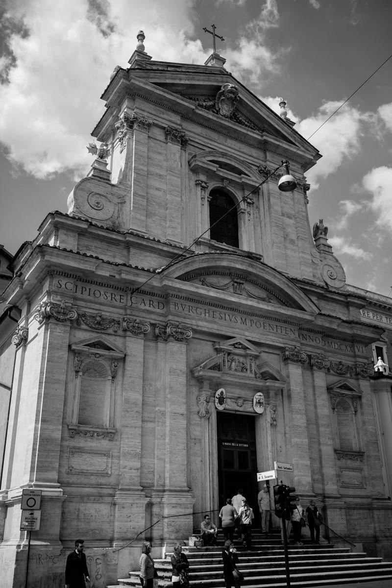Wedding church facade in Rome