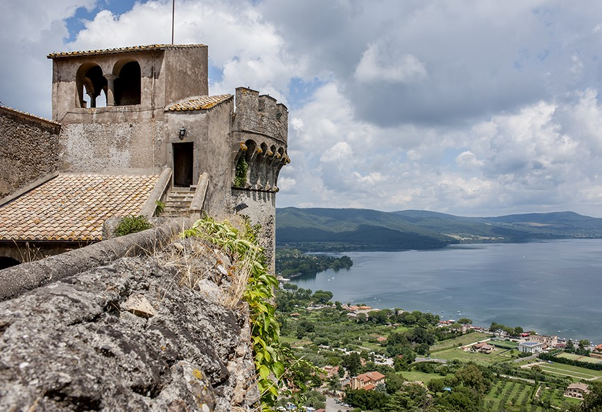 Lake view from the tower of the castle in Rome for weddings